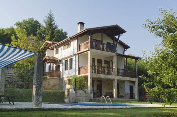 Интериорна фотография - снимки на къщи за гости